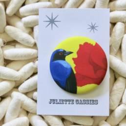 Badge oiseau juliette cassies chez chromosome a le concept store curieux a lille