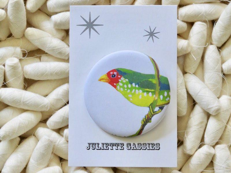 Badge oiseau juliette cassies chez chromosome a le concept store curieux